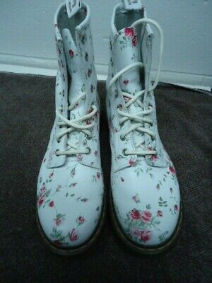 Dr Martens Womens Ankle Boots Sz 9 / 41 8 Eyelet White Leather Rose Flower Theme • 75$