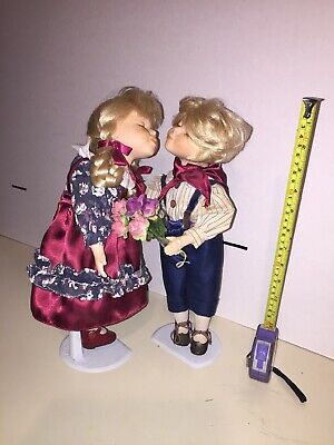 $ CDN21.64 • Buy VINTAGE BOY AND GIRL  14   KISSING PORCELAIN DOLLS W/Stand Victorian Clothing