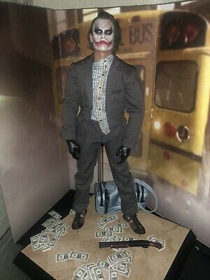 $420 • Buy Hot Toys The Dark Knight Bank Robber Joker Version 2.0 MMS249 Toy Fair Exclusive