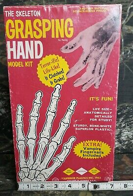 $64.99 • Buy Vtg 1963 Superior Plastic Skeleton Grasping Hand Model Kit Pieces Complete Rare