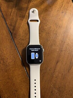 $ CDN346.06 • Buy Apple Watch Series 4/44mm Aluminum Case With White Sport Band