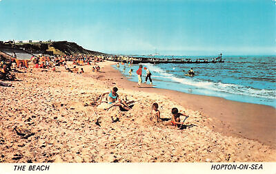 R254003 The Beach. Hopton On Sea. A Sapphire Card. NHO2238 • 6.75£