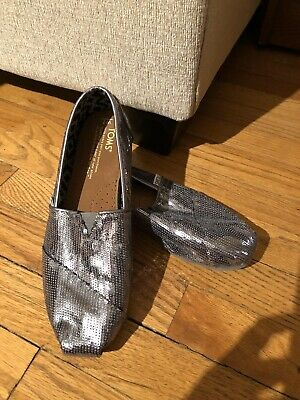 $17 • Buy TOMS Silver Sequin Classic Slip On Flats Womens Size 7