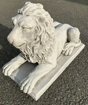 Stone Garden Proud Lion On Base Statue Detailed Gift Ornament • 42.45£