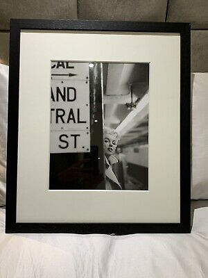 Getty Black & White, Marilyn Monroe In Central Station Framed Picture RRP £199 • 120£
