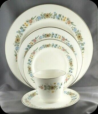 $ CDN24.99 • Buy Royal Doulton Pastoral 5 Piece Place Setting H 5002 (two Sets Available)