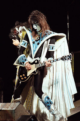12 *8  Concert Photo Of Ace Frehley Of Kiss Playing At Wembley In 1980 • 3.99£