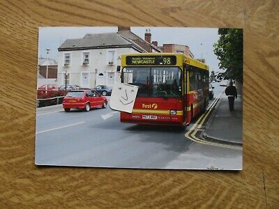BUS PHOTO FIRST POTTERIES P973 MBF BURSLEM  STOKE On TRENT • 0.99£