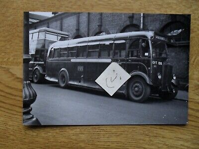 BUS PHOTO POTTERIES MOTOR TRACTION  GVT 106 STOKE On TRENT • 0.99£