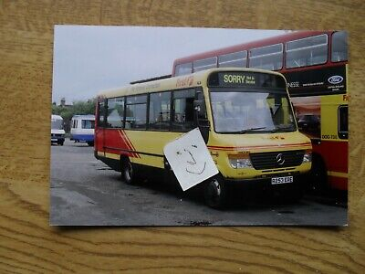 BUS PHOTO  FIRST POTTERIES  R253 ERE STOKE On TRENT • 0.99£