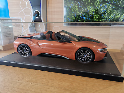Genuine Limited Edition BMW I8 Roadster 1:12 Scale Resin Model 80 43 2 454 830 • 639£