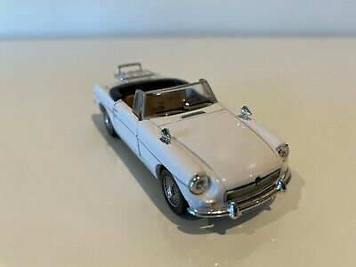 Cararama - Mgb Convertible 1/43 Scale Diecast Model In White • 22£