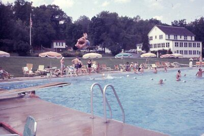 YOUNG MAN DOING A FLIP OFF DIVING BOARD INTO THE POOL 1965 35mm PHOTO SLIDE • 3.76£