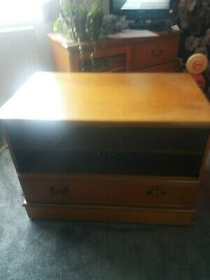 Wood TV Cabinet With Glass Doors And 1 Shelf.good Condition • 25£