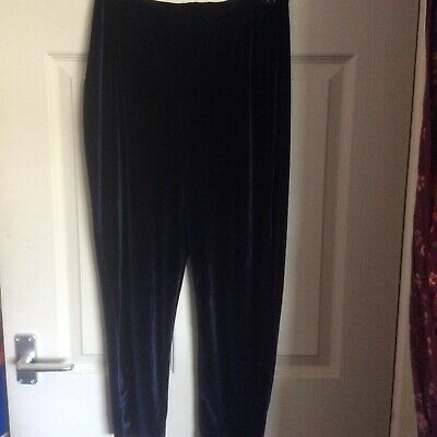 £2 • Buy PRETTY LITTLE THING Womens Navy Blue 3/4 Crop Trousers Uk Size 12 Used VGC