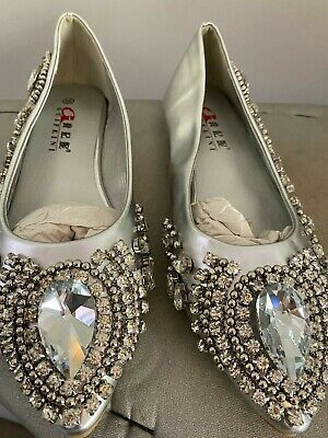 Indian Pakistani Asian Silver Diamond Shoes. Size 6. *Brand New* • 30£