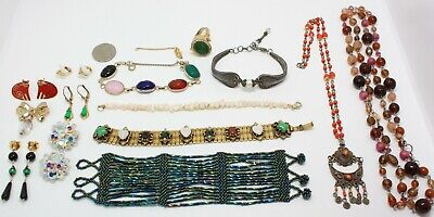 $ CDN13.61 • Buy 15 Lovely Items In This All Vintage Jewelry Lot - A Few Are Signed!