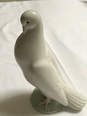 Lladro Nao Large Standing Dove • 10£