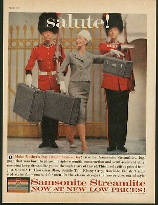 1960 Queen's Royal Guard Hat Photo Samsonite Streamlite Luggage Vintage Print Ad • 11.49£