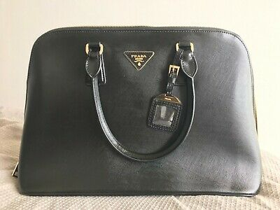 Black Prada Handbag - Condition Is Used • 31£