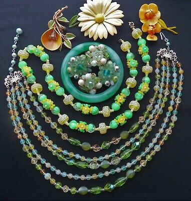 $ CDN58.57 • Buy Vintage Lot Jewelry Metal Flower Brooches Plastic & Glass Beads Jade Bangle More