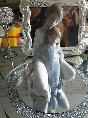 Nao A Moment With Mum Figurine NEW  • 65£