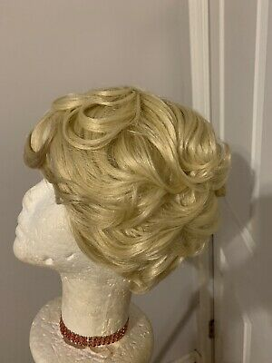 $12 • Buy Short Ombre Feathered  Pin Curls Wig