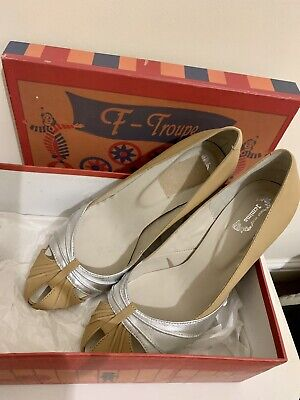 £24.99 • Buy Beige And Silver Shoes Size 6 BN