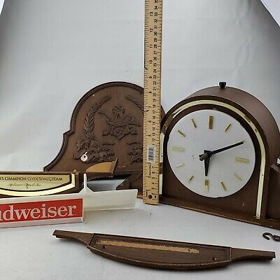 $ CDN69.25 • Buy PARTS/REAPAIRVintage Budweiser Worlds Champion Clydesdale Team Beer Sign & Clock