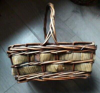 Wicker Basket Woven With Handle Boho 70s Brown Eclectic Farmhouse Hippie • 6£