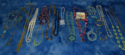 $ CDN19.77 • Buy Large Lot Of Vintage Costume Jewelry Necklaces Bracelets Rings