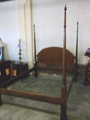 $950 • Buy Councill Mahogany Queen Size Poster Bed