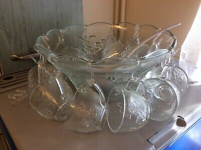 Vintage Pair Of Punch Bowls  & 12 Glass Cups & Hooks And Ladle • 14£