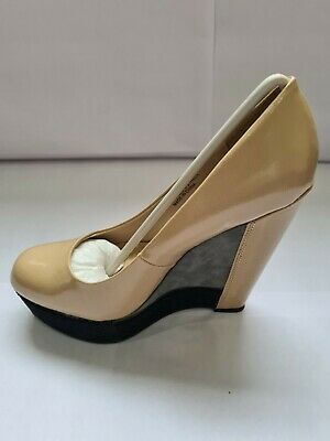 £15 • Buy Dorothy Perkins Wedge Shoes Size: 5 Colour: Stone/Grey/Black.