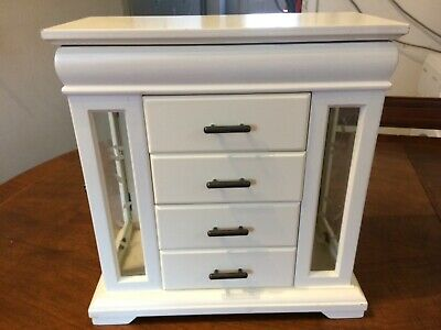 Large Cream Jewellery Box. 4 Drawers, Top Compartment & 2 Side Doors. • 8.50£
