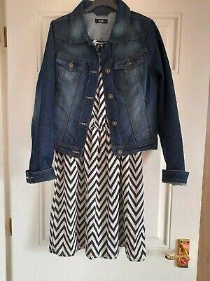 Dress And Jacket Set Size 8/10 Perfect Condition • 3.50£
