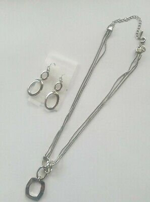 $ CDN5.26 • Buy Beautiful Lia Sophia QUALITY NECKLACE AND EARRING SET, Silver.