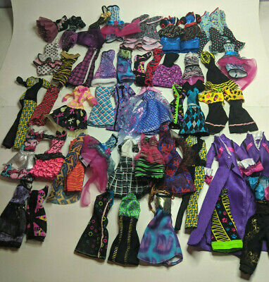 $ CDN130 • Buy Huge Lot Of 111 Monster High Doll Clothing, Shoes And Accessories
