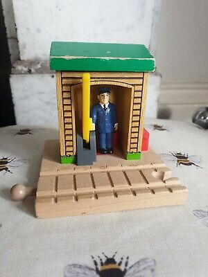 £15 • Buy Thomas Wooden Railway Conductor Shed Stop Go, Brio Learning Curve Trains