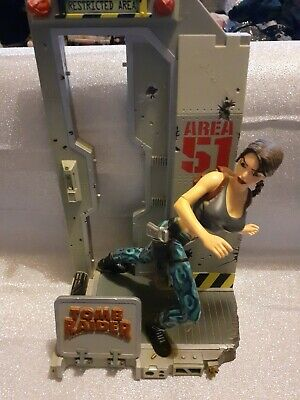 Lara Croft Diorama Area 51 No  Box Packaging • 12£