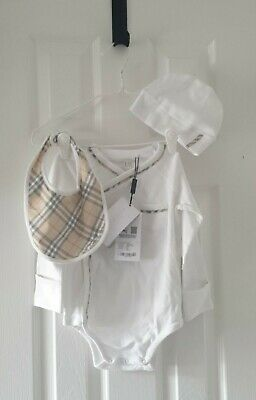 £89 • Buy Burberry Check Detail Cotton Three-piece Baby Gift Set NEW 18 Months Rtp £159