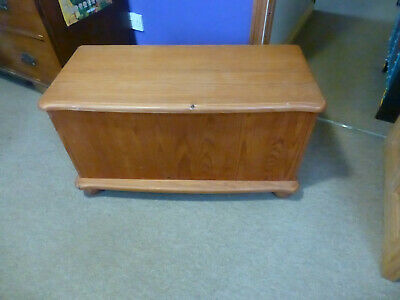 Pine Blanket Box - No Reserve - Will Sell • 0.99£