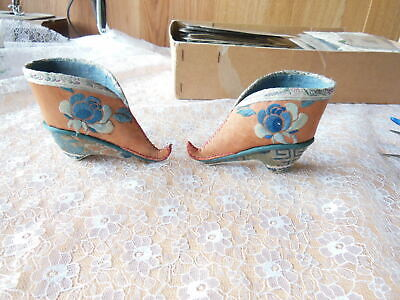 Antique Pair Of Chinese Embroidered Silk Shoes • 10.50£