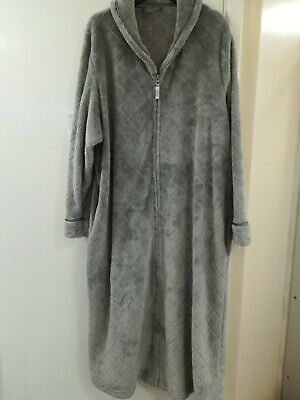 Dressing Gown Ladies M&S  16-18 Silver  Zip Front Warm Soft Fluffy Hardly Used • 5£