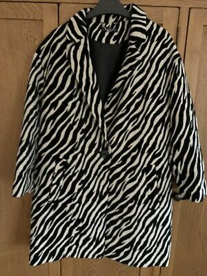 Fabulous Zebra Print Single Breasted Lined Coat With Side Pockets • 5£