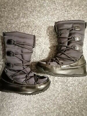 Girls/Woman Grey Fitflop Snow Boots Size UK 3 • 17£