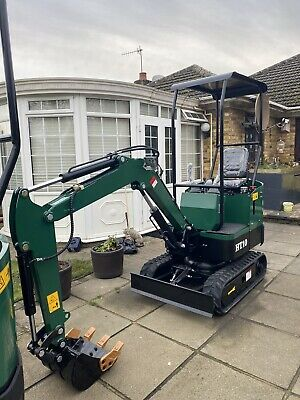 Mini Digger Excavator HT10 ,1Ton With Boom Swing 3xFree Buckets • 8,299£
