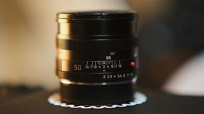 Mint Leica Summicron 50mm F/2.0 Lens • 475£