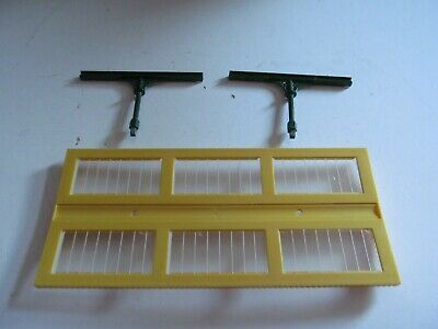 Triang Hornby Station Canopy And Two Supports • 5.95£