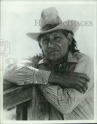$ CDN18.84 • Buy 1977 Press Photo Actor Will Sampson Stars In  The Hunted Lady  - Nox47836